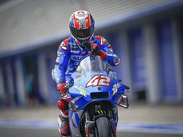 Alex Rins terpaksa absen di GP Catalunya karena insiden kecelakaan saat bersepeda.