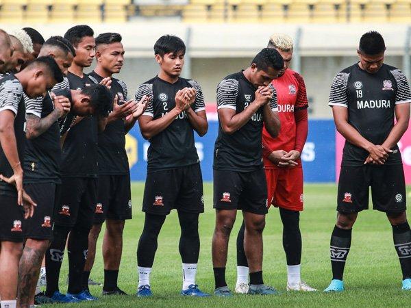 Skuat Madura United menjalani latihan