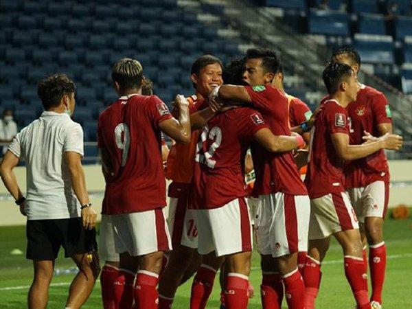 Skuat timnas Indonesia merayakan gol ke gawang Thailand