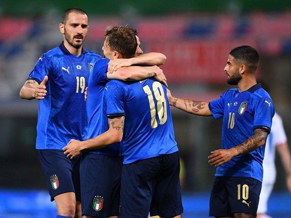 Italia hancurkan Republik Ceko dengan skor 4-0.