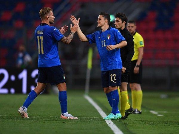 Giacomo Raspadori girang setengah mati usai lakoni debut untuk timnas Italia.