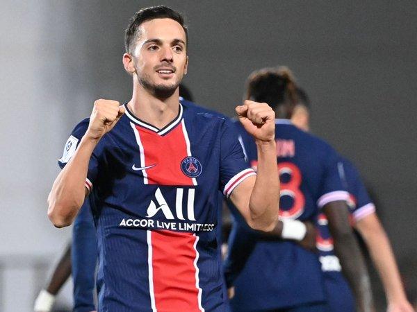 Gelandang Paris Saint-Germain, Pablo Sarabia.