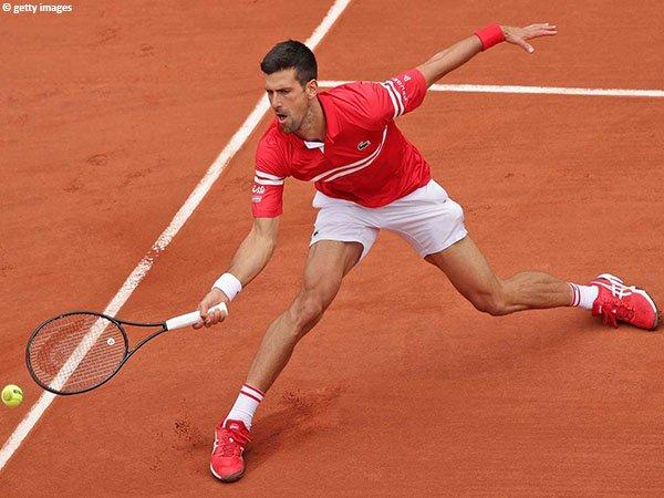 Novak Djokovic melenggang ke babak keempat French Open untuk kali ke-12 dalam kariernya