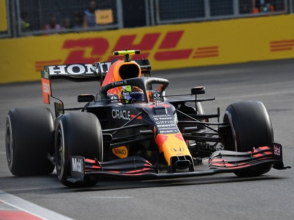 F1 GP Azerbaijan dimenangi secara dramatis oleh Sergio Perez.