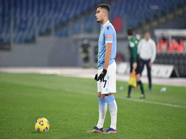 Lazio ingin pinjam kembali Pereira dari MU