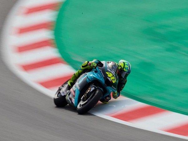 Valentino Rossi enggan pusingkan hasil buruk di kualifikasi GP Catalunya.