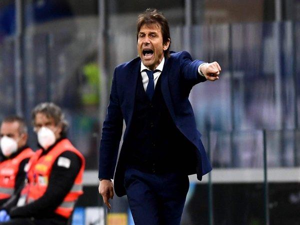 Penyebab gagalnya negoasiasi Tottenham dan Conte