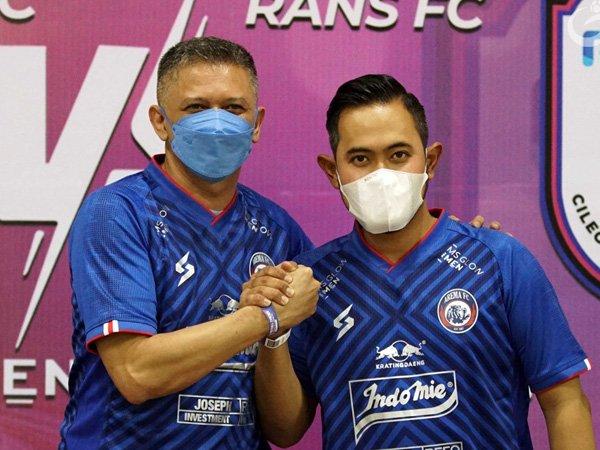 Crazy rich Malang, Gilang Widya Pramana resmi diperkenalkan sebagai presiden klub Arema FC