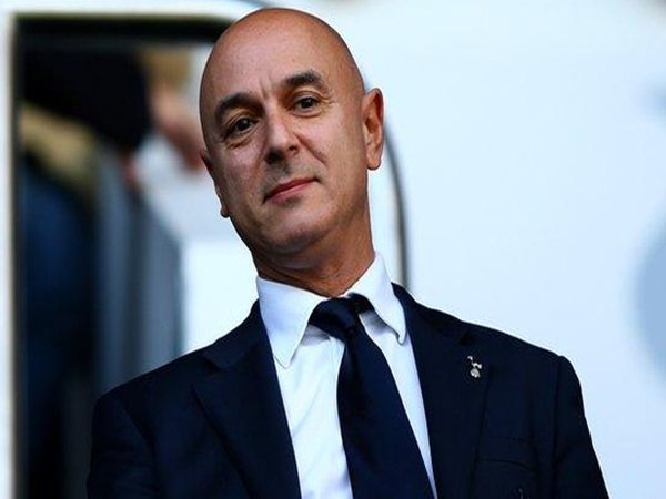 Eks striker Tottenham serang Levy