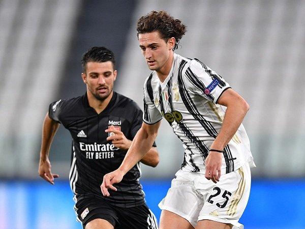 Fabio Paratici bisa bawa dua pemain Juventus ke Tottenham Hotspur.