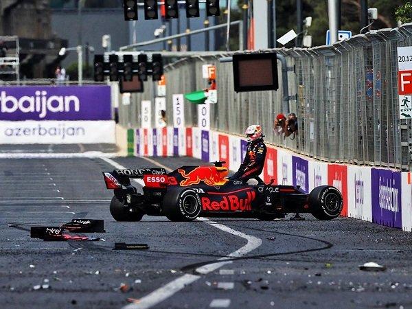 Pirelli tak setuju jika bannya dinilai jelek karena kecelakaan Verstappen.