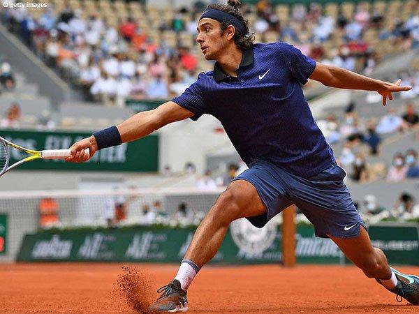 Meski rebut dua set pertama lawan Novak Djokovic di French Open 2021, Lorenzo Musetti berakhir dengan telan kekalahan