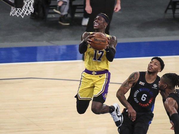 Dennis Schroder akui perlakuan manajemen Lakers amatlah baik kepadanya.