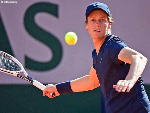 Jannik Sinner masih belum menemukan jawaban untuk mengalahkan Rafael Nadal