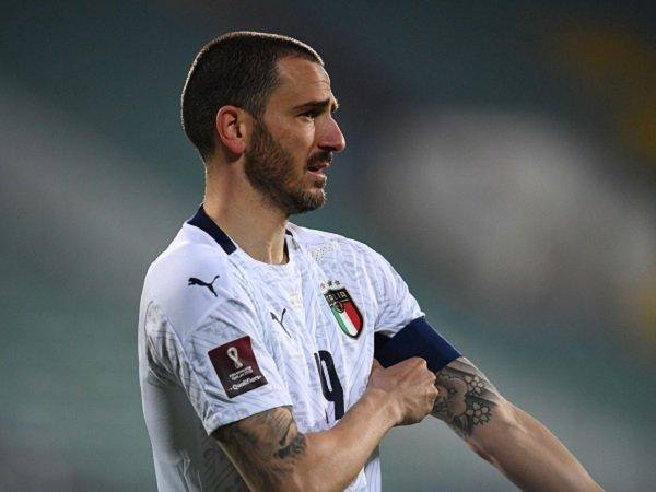 Leonardo Bonucci puas lihat permainan Italia belakangan.