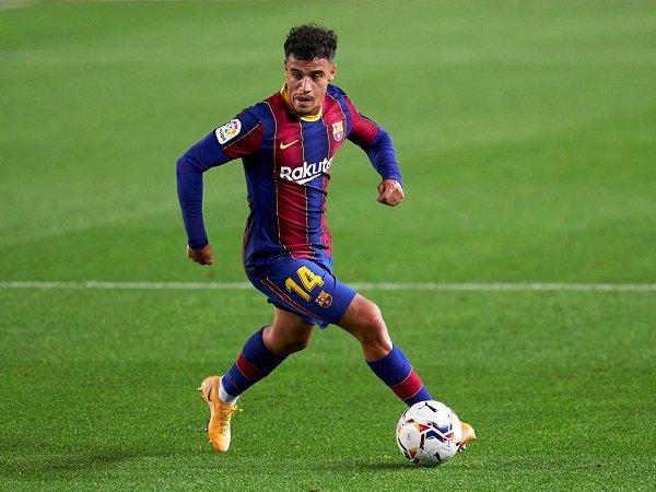 Barcelona berusaha obral pemain demi pangkas pengeluaran.