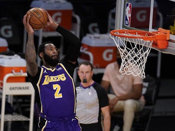 Los Angeles Lakers berusaha bujuk Andre Drummond agar mau perpanjang kontrak.