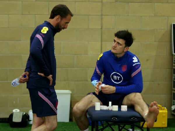 Luke Shaw beri update cedera Harry Maguire di timnas Inggris.
