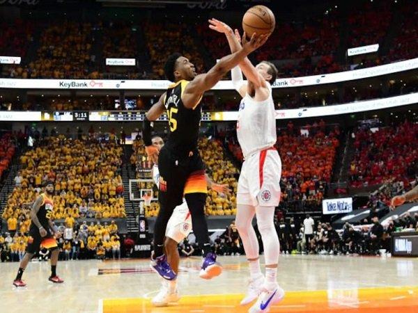 Point guard Utah Jazz, Donovan Mitchell saat melawan Los Angeles Clippers.