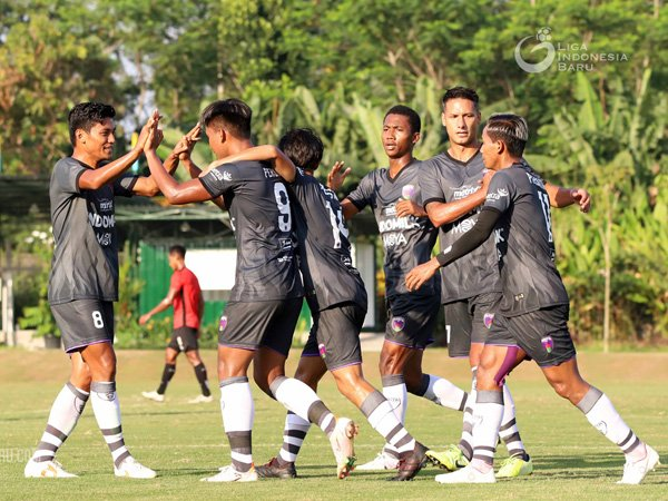 Widodo C Putro evaluasi penampilan timnya usai uji coba dengan Borneo FC