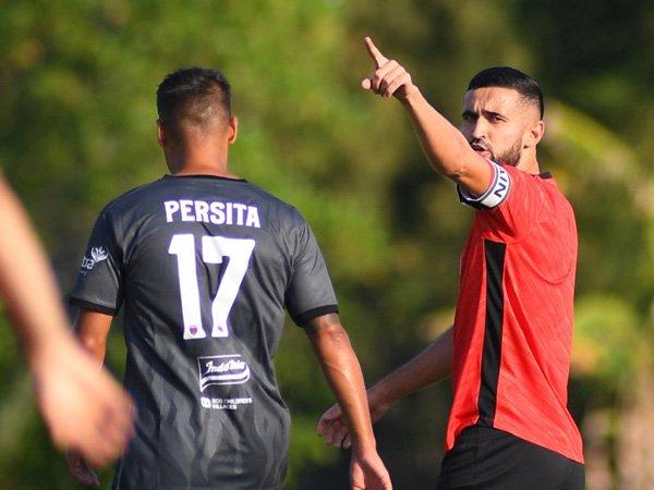 Kapten Borneo FC, Javlon Guseynov saat menghadapi Persita Tangerang