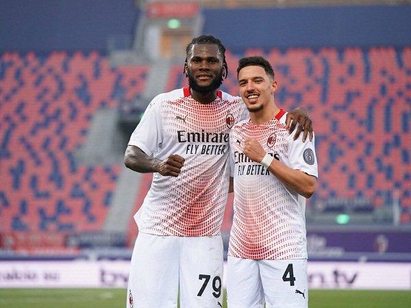 Duo gelandang Milan Ismael Bennacer dan Franck Kessie