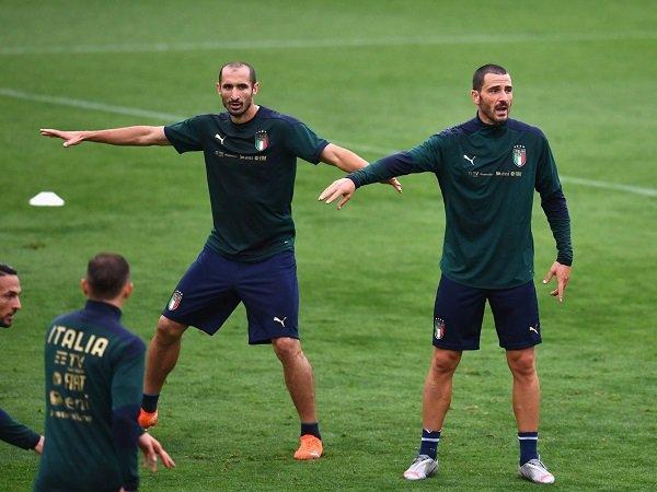 Pelatih Turki memuji Chiellini dan Bonucci.