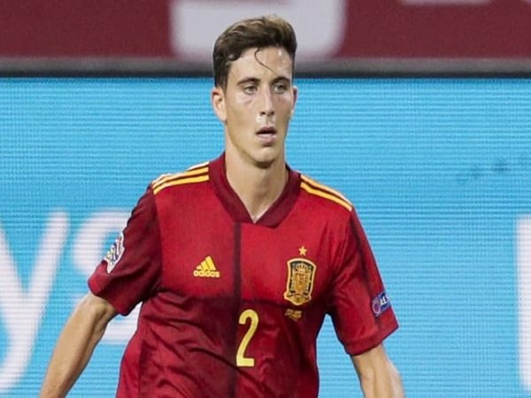 Tottenham memantau tiga defender di Euro 2020
