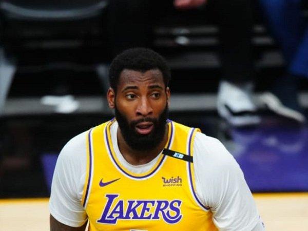 Los Angeles Lakers tak mau bayar mahal gaji baru Andre Drummond.