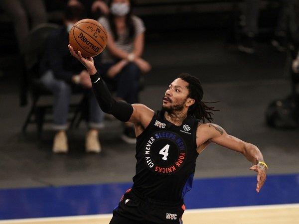 Los Angeles Lakers ingin rekrut Derrick Rose untuk musim depan.