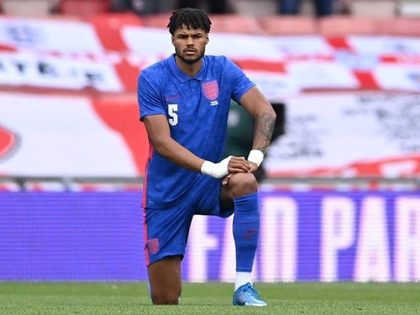FA Ingin Suporter Hormati Keputusan Inggris untuk 'Berlutut'