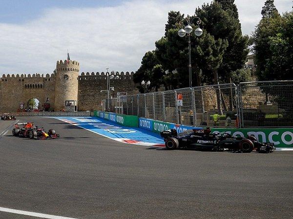 Mercedes, Red Bull Racing