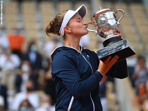Barbora Krejcikova jadi petenis terakhir yang bertahan di French Open 2021