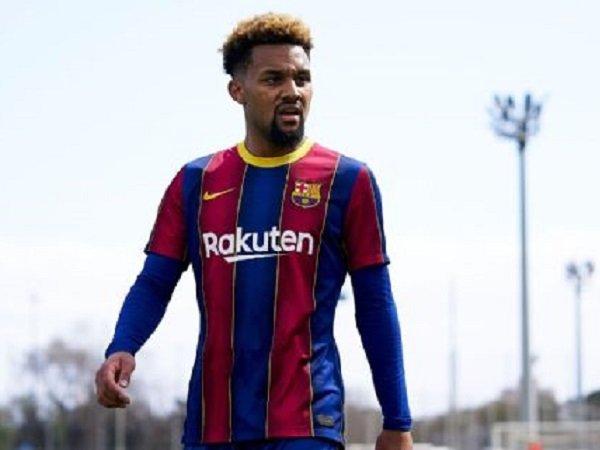 Konrad de la Fuente menuju Marseille dengan status pemain pinjaman.