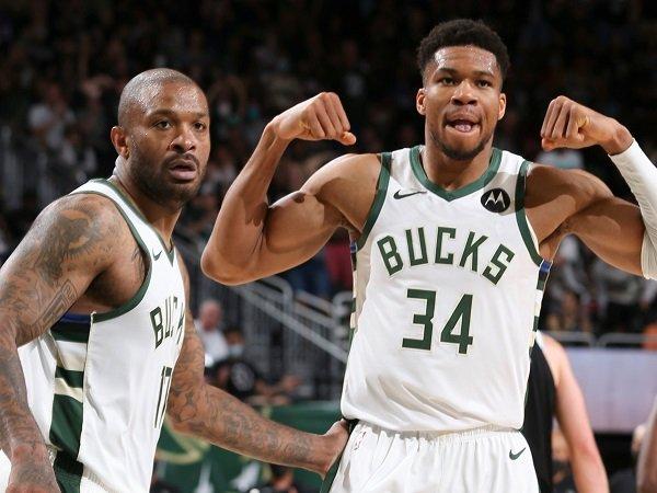 Milwaukee Bucks samakan kedudukan dengan Brooklyn Nets usai menangi game 4.