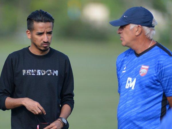 Manajer Borneo FC, Farid Abubakar bersama Mario Gomez