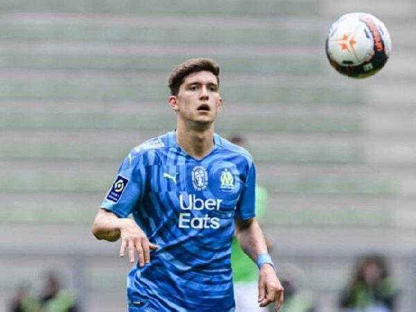 Marseille akan permanenkan status Leonardo Balerdi dari Borussia Dortmund