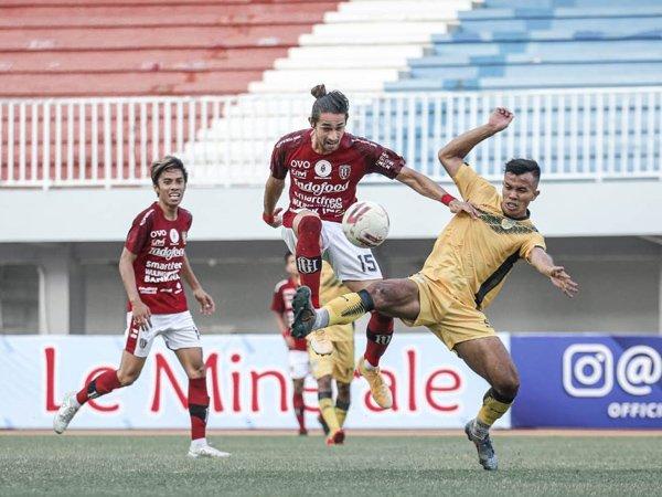 Gavin Kwan Adsit saat menghadapi PSIM Yogyakarta