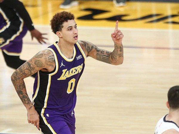 OKC Thunder dan Sacramento Kings tertarik tampung Kyle Kuzma dari L.A Lakers.