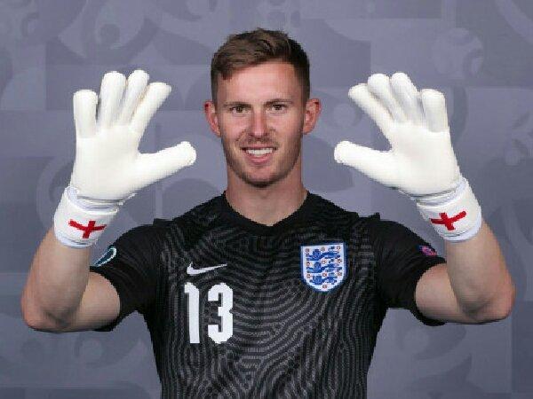 Kiper MU, Dean Henderson, mundur dari skuat Euro 2020 timnas Inggris