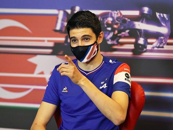 Esteban Ocon terima kontrak baru dari Alpine karena sudah merasa nyaman.