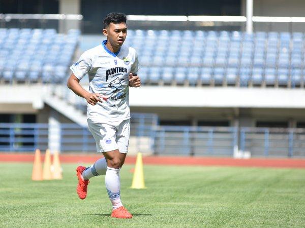 Abdul Aziz ketika berlatih bersama Persib