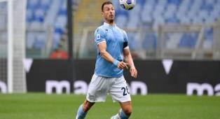 Batal Gabung Inter, Radu Perpanjang Kontrak Dengan Lazio
