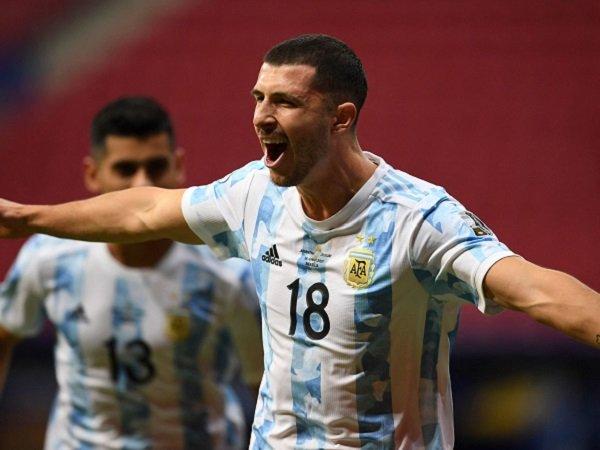 Argentina taklukkan Cile berkat gol Guido Rodriguez.