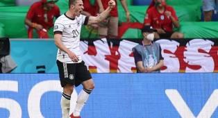 Bersinar Kontra Portugal, Robin Gosens Tak Minta Jersey Cristiano Ronaldo
