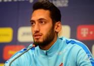 Hakan Calhanoglu Ditawari Kontrak dan Bonus Transfer Oleh Atletico Madrid