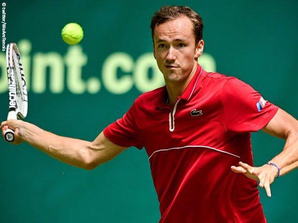 Daniil Medvedev tantang Casper Ruud di perempatfinal Mallorca Championships 2021