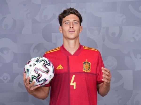 Dikaitkan dengan Manchester United, Pau Torres mengaku tenang