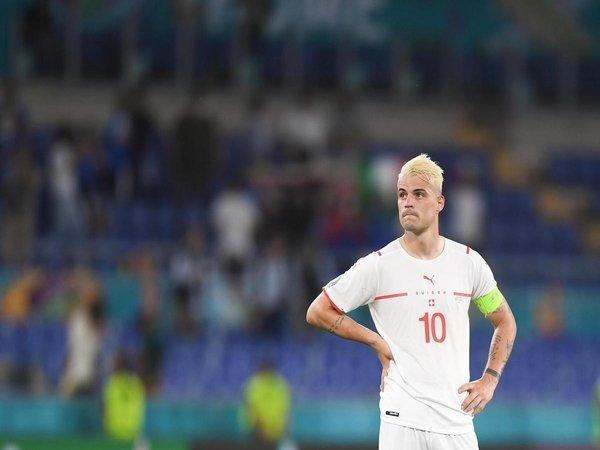 AS Roma dilaporkan tinggal selangkah lagi bakal mendapatkan servis Granit Xhaka dari Arsenal / via Getty Images