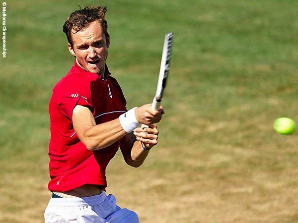 Daniil Medvedev tantang Pablo Carreno Busta di semifinal Mallorca Championships 2021